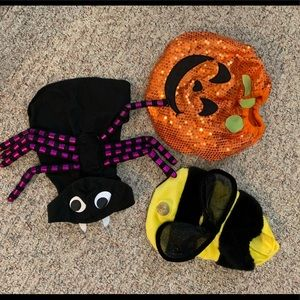 Lot of 3 Halloween costumes for dogs